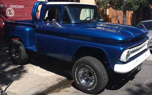 Car Chevrolet Apache Americana