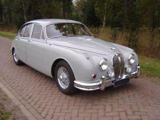 Car Jaguar MKII 2,4