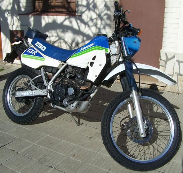 Moto Kawasaki KLR 250 1988