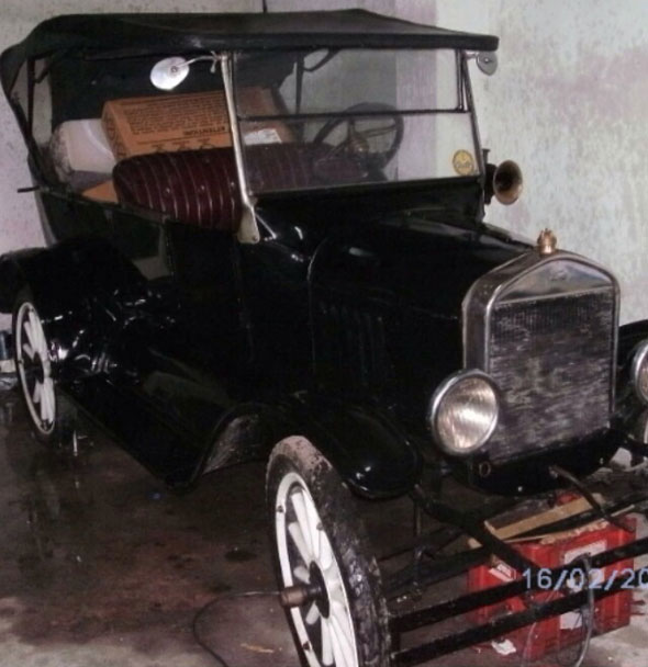 Car Ford T