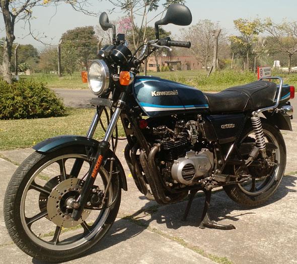 Moto Kawasaki Z550 1981