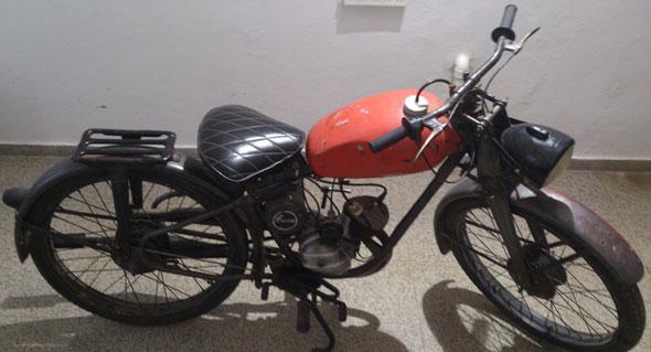Motorcycle Puma Segunda Serie 1958
