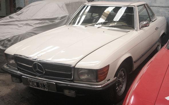 Car Mercedes Benz 450SL