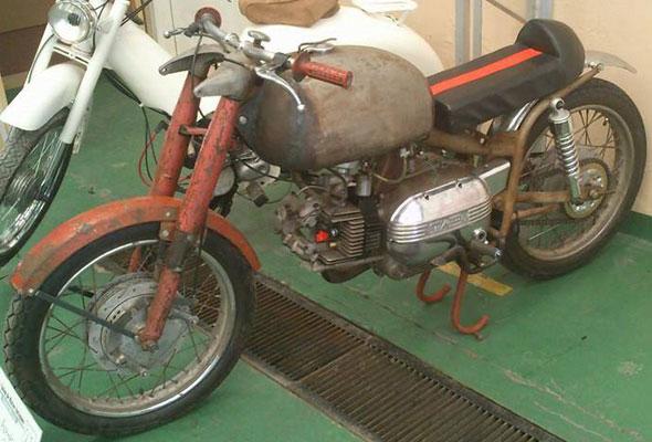 Motorcycle Aermacchi Ala Rossa