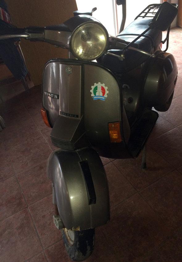 Motorcycle Piaggio Vespa Originale 150