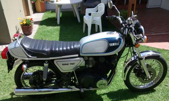 Moto Yamaha XS 750