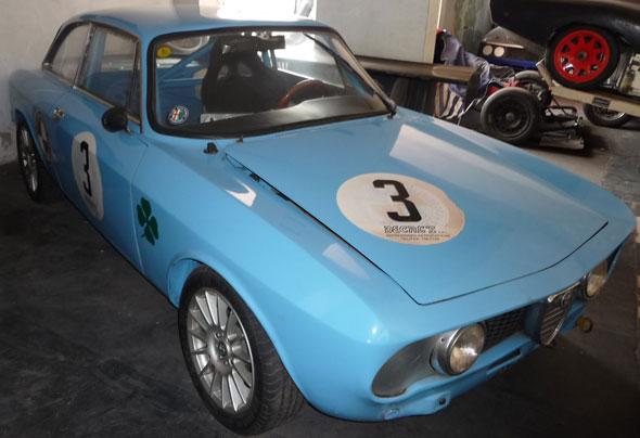 Car Alfa Romeo GTV Bertone
