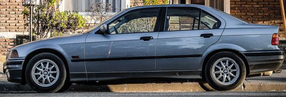 Auto BMW 328i