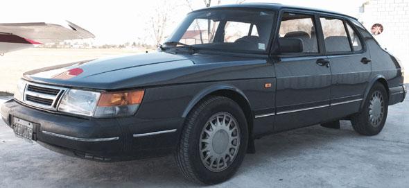 Auto Saab 900