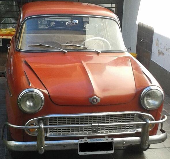 Auto Isard 700