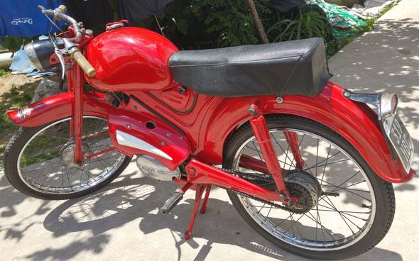 Motorcycle Capri Dem