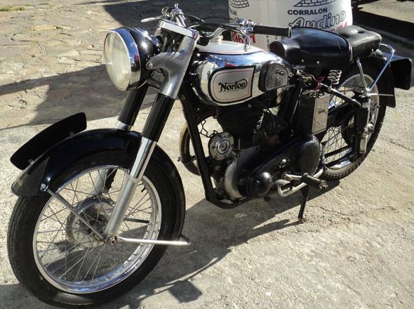 Motorcycle Norton ES2
