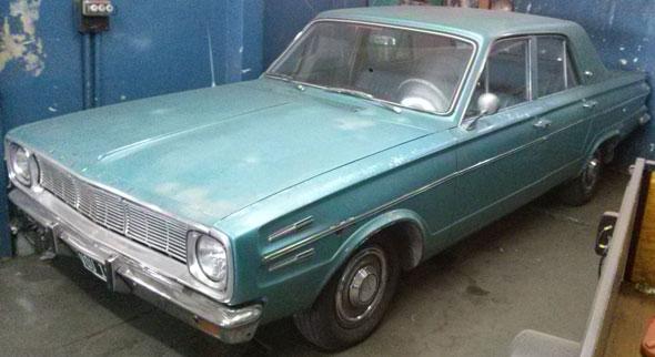 Auto Chrysler Valiant IV 1968