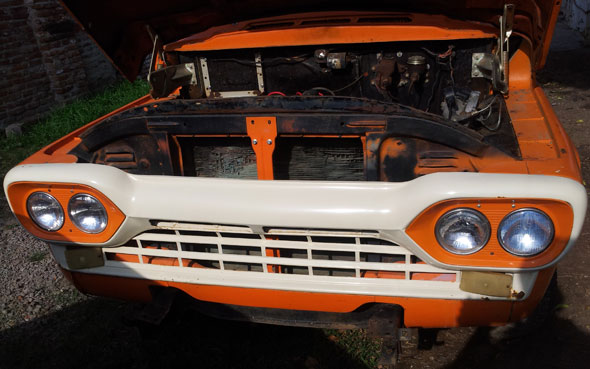 Car Ford Loba