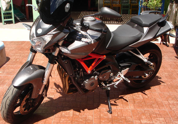 Car Benelli 600 RK6