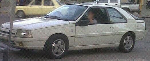 Car Renault Fuego GTA
