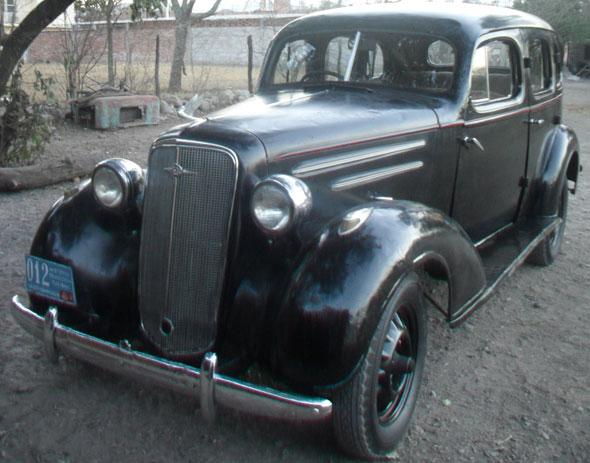 Car Chevrolet 1935