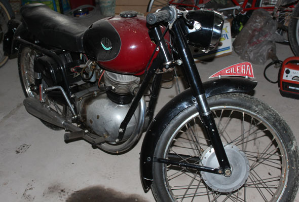 Motorcycle Gilera Super Sport 150