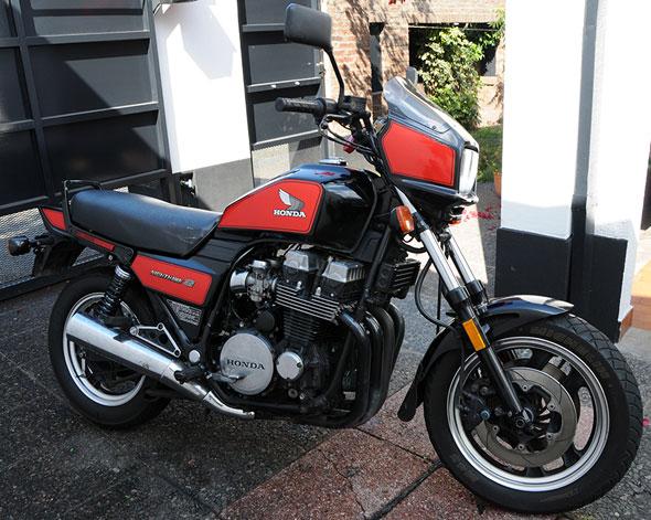 Motorcycle Honda Nighthowk 700 S 1984