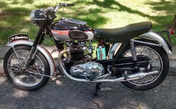 Motorcycle Triumph Thunderbird