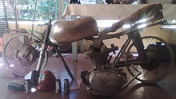 Motorcycle Ducati SS Elite 200