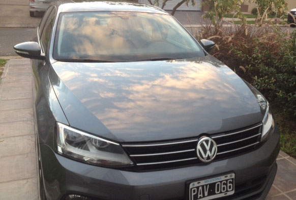 Car Volkswagen Vento Luxury Tiptronic 2.5