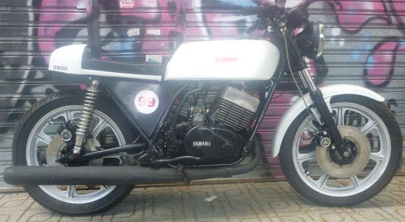 Motorcycle Yamaha RD 400