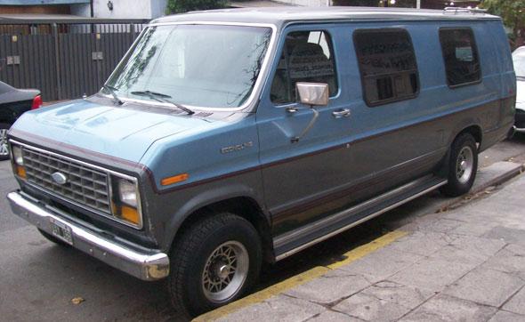 Car Ford Econoline