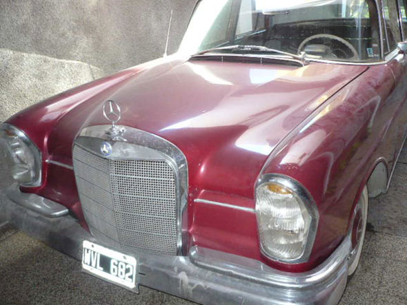 Car Mercedes Benz 220S 1964