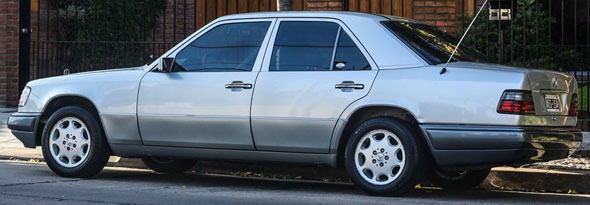 Car Mercedes Benz E200 16v W124