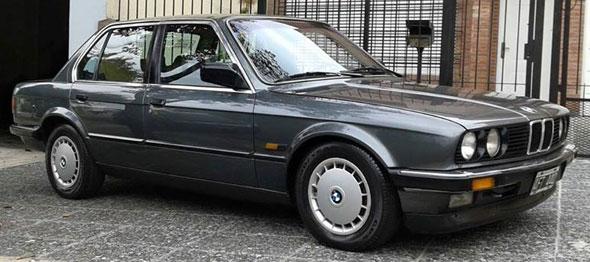 Car BMW E30 320i
