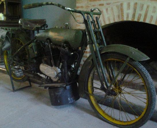 Motorcycle Harley Davidson 1917