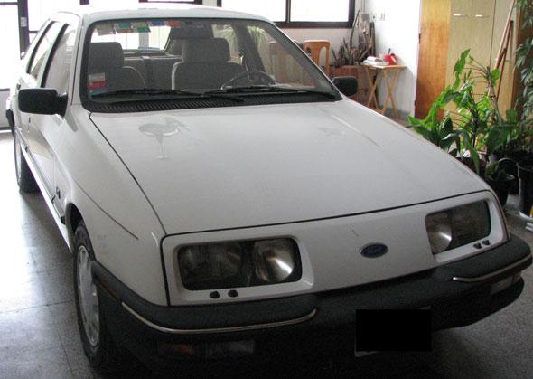 Car Ford Sierra Ghía 2.3