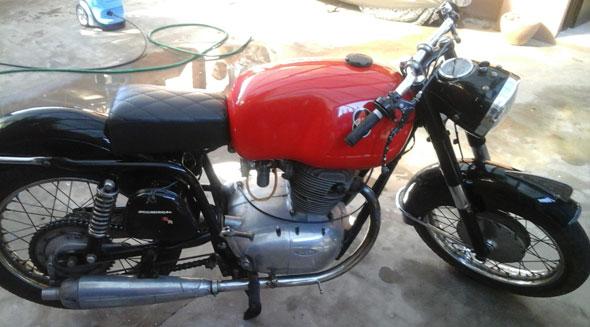Moto Gilera 300