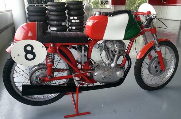 Moto Ducati 175 4 Ganchos