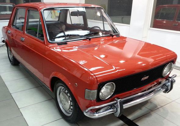 Car Fiat 128