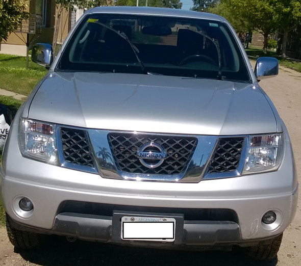 Auto Nissan Frontier