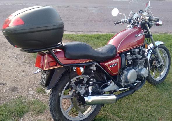 Moto Kawasaki KZ 750
