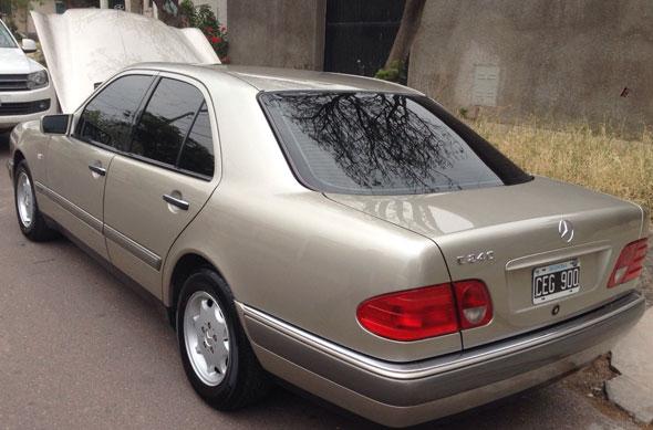 Car Mercedes Benz E240
