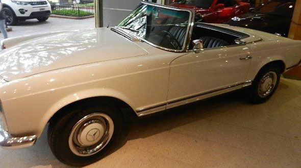 Car Mercedez Benz SL230 Pagoda