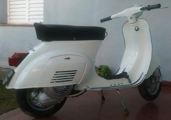 Motorcycle Vespa Primavera