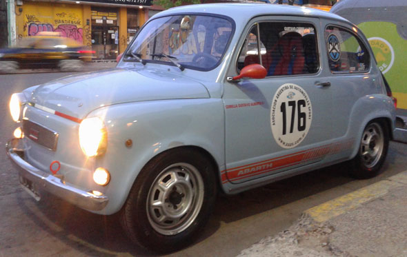 Auto Fiat 600R