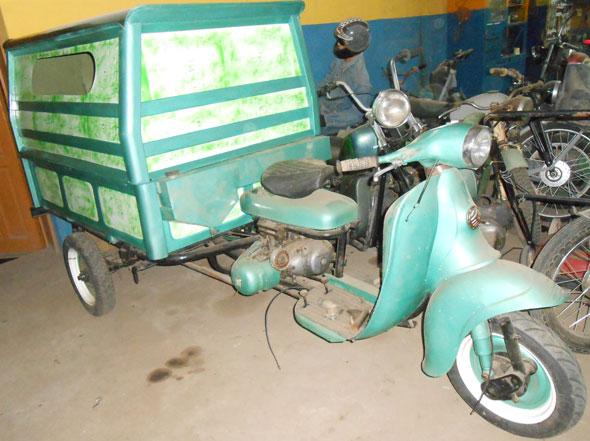 Motorcycle Lujan Hnos. 150 Motocarga 1960