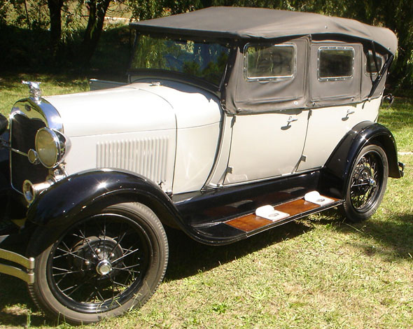 Car Ford A Doble Phaeton