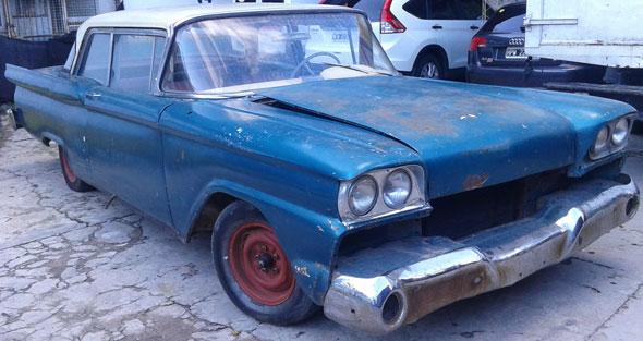 Auto Ford 1959 Custom 300