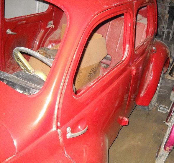 Car Renault 4CV Dauphine