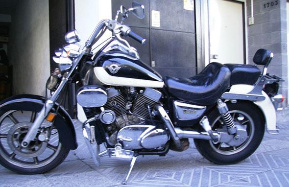 Motorcycle Kawasaki 1500 Vulcan