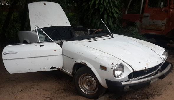Car Fiat Spider 1800