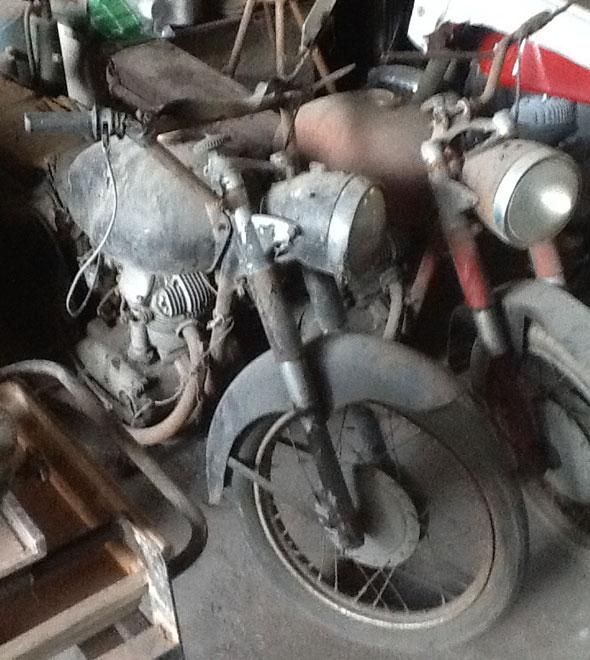 Motorcycle Ducati 175