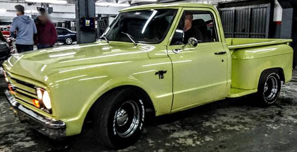 Car Chevrolet C10